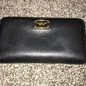 Michael Kors Large Pebble Leather Full Zip Wallet